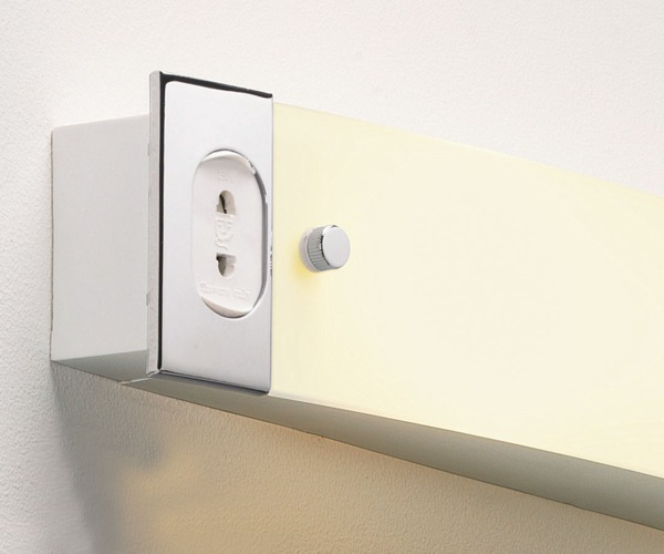 Wall Light With Shaver Socket: Shaver Light 0275